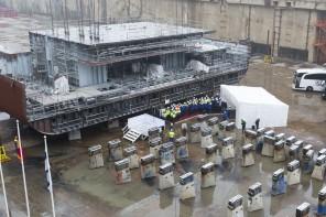 Der erste Block der neuen Mein Schiff 2 liegt im Trockendock