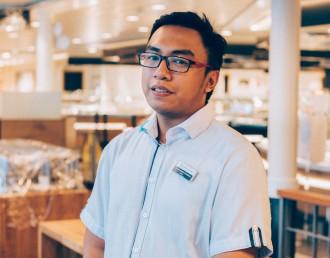 Randy ist der Crew Welfare Präsident der Mein Schiff 4
