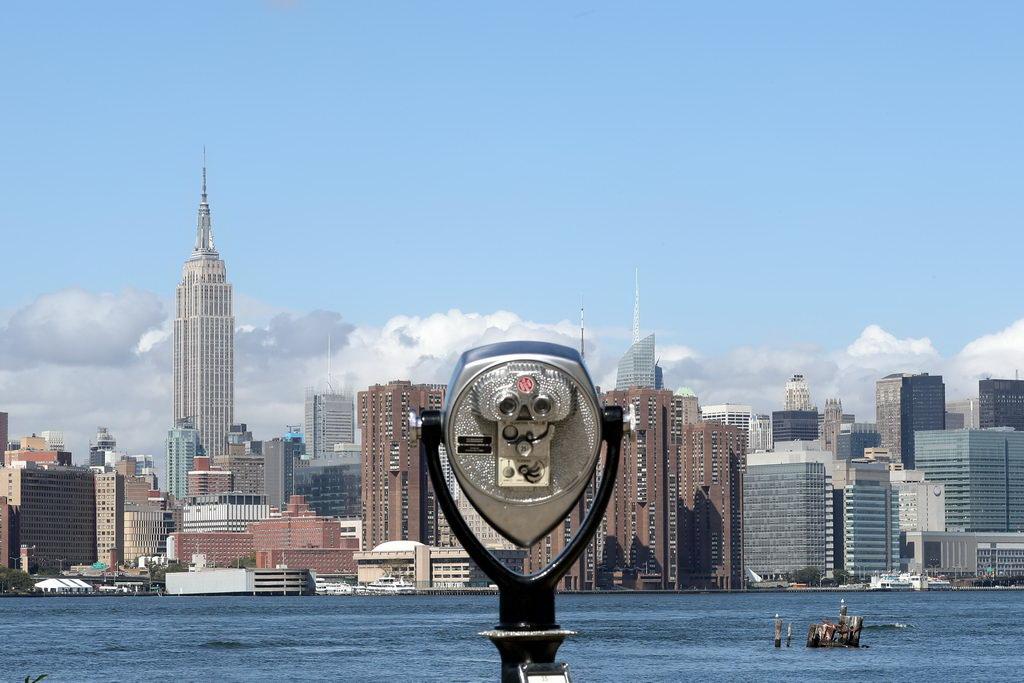 Blick auf New York von Mein Schiff Hafen Bayonne aus