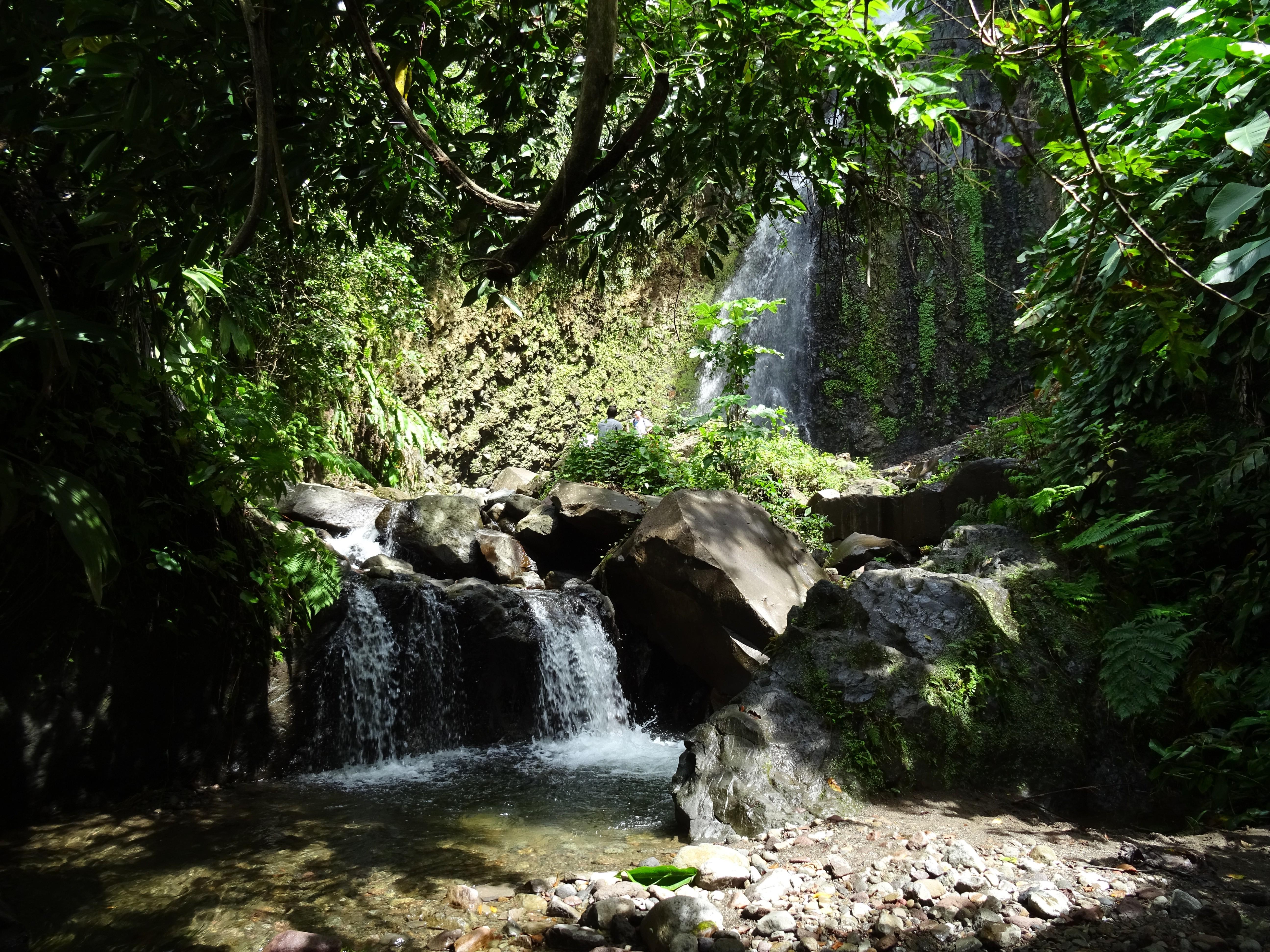 VCKTN015- Dark-View-Wasserfälle