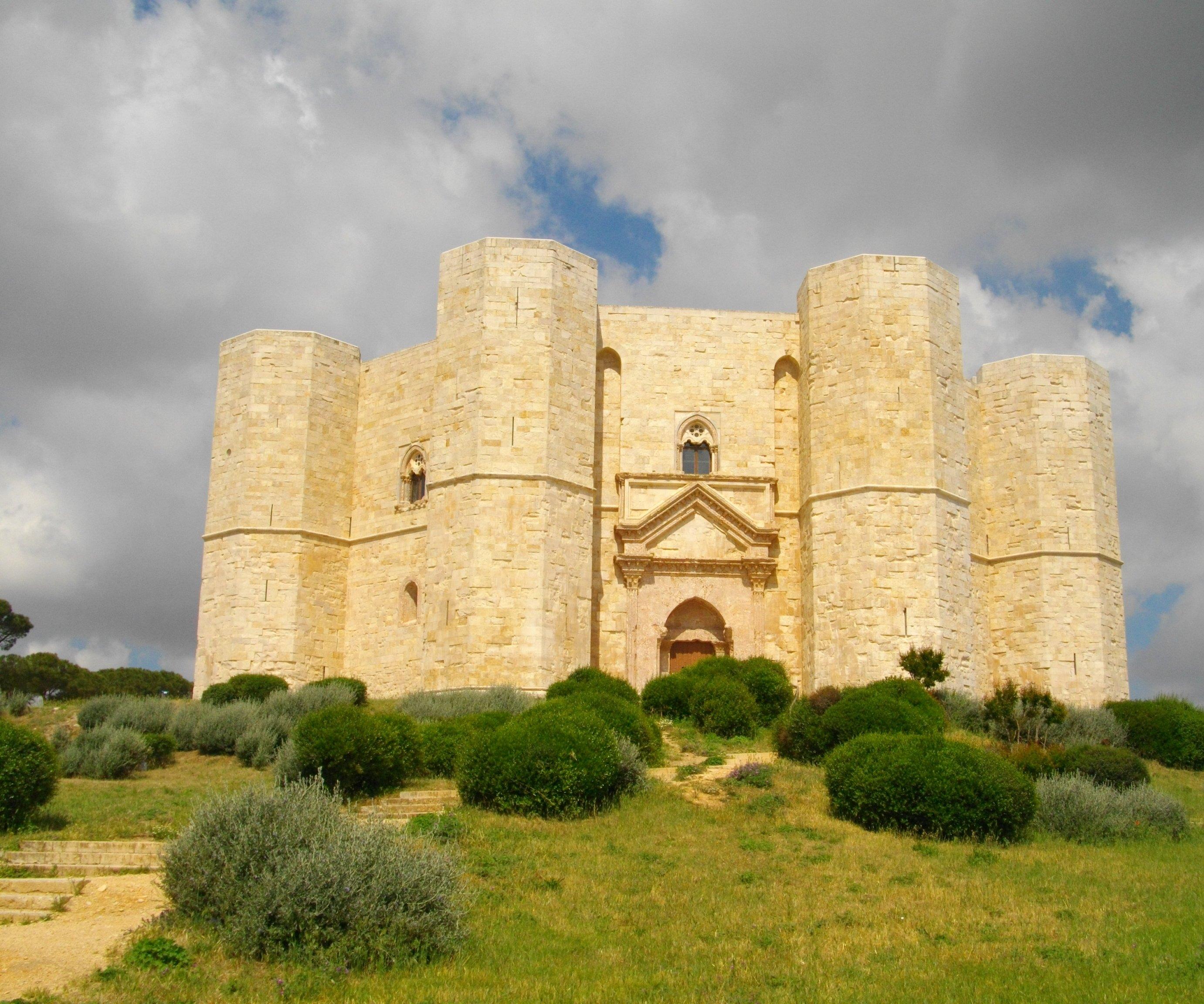 Außergewöhnlicher Bau: Das Castel del Monte