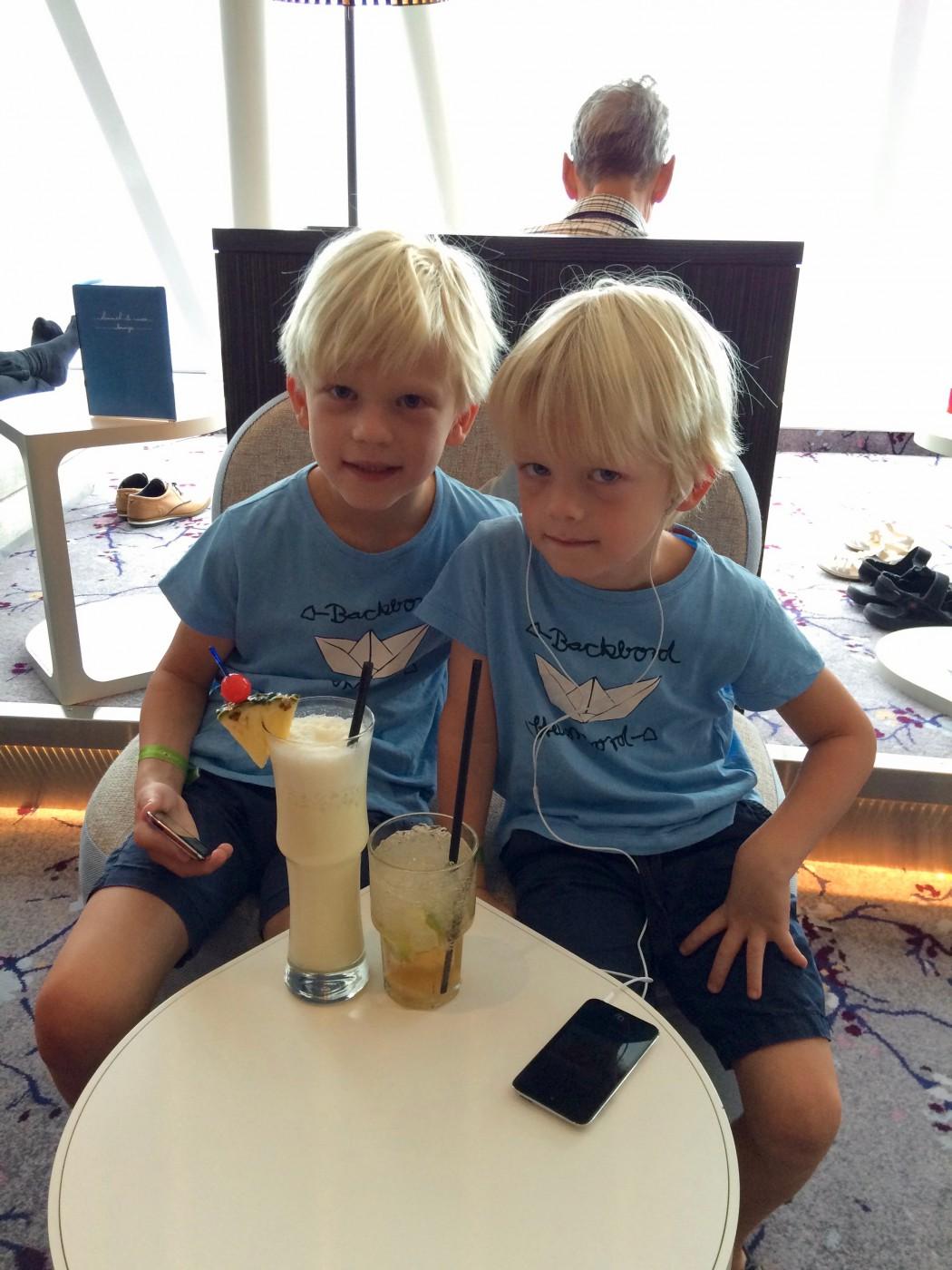 Mein Schiff Fan Mattis mit seinem Bruder