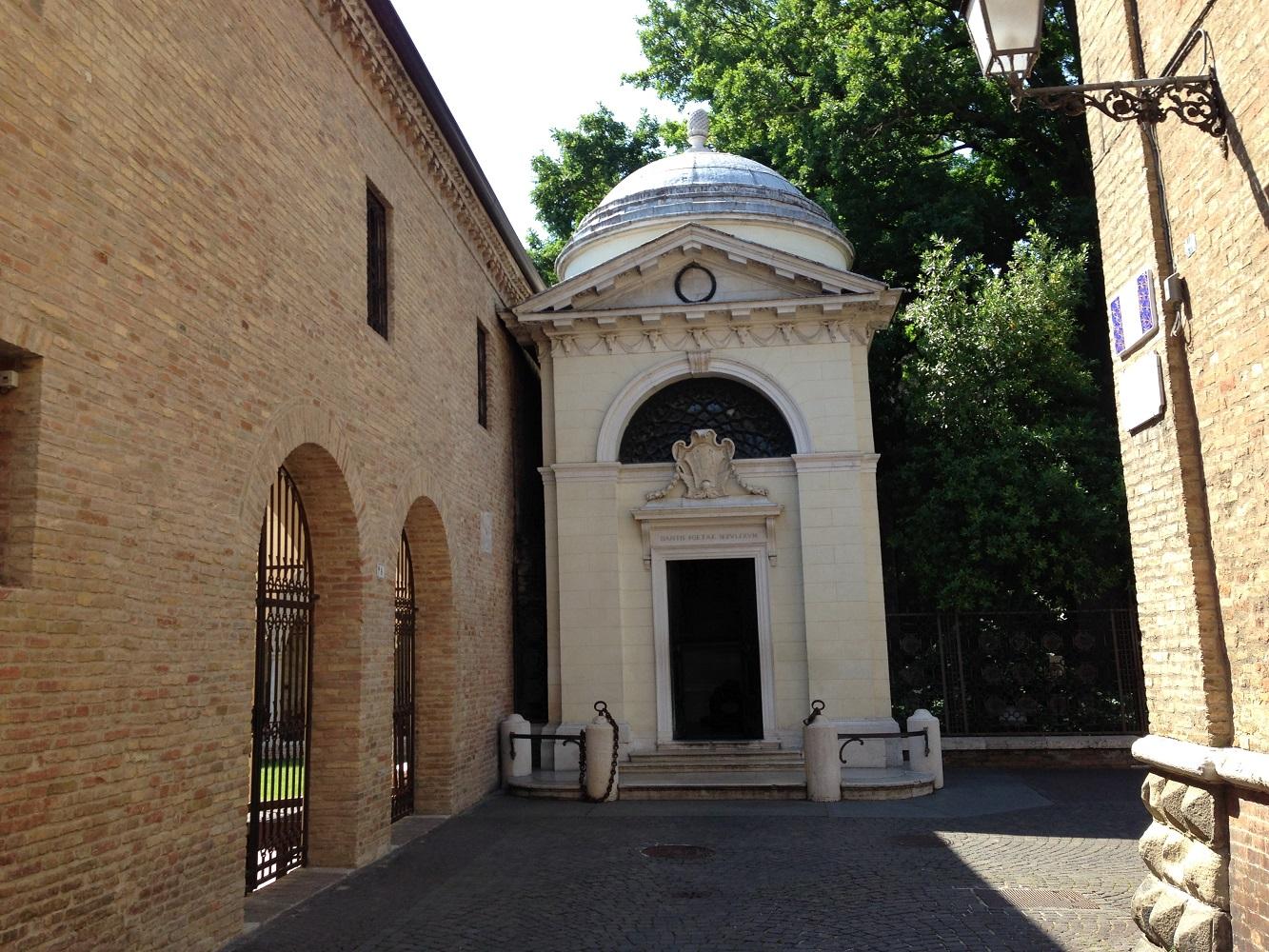 Mit der Mein Schiff Flotte entdecken: Das Grabmal von Dante in Ravenna