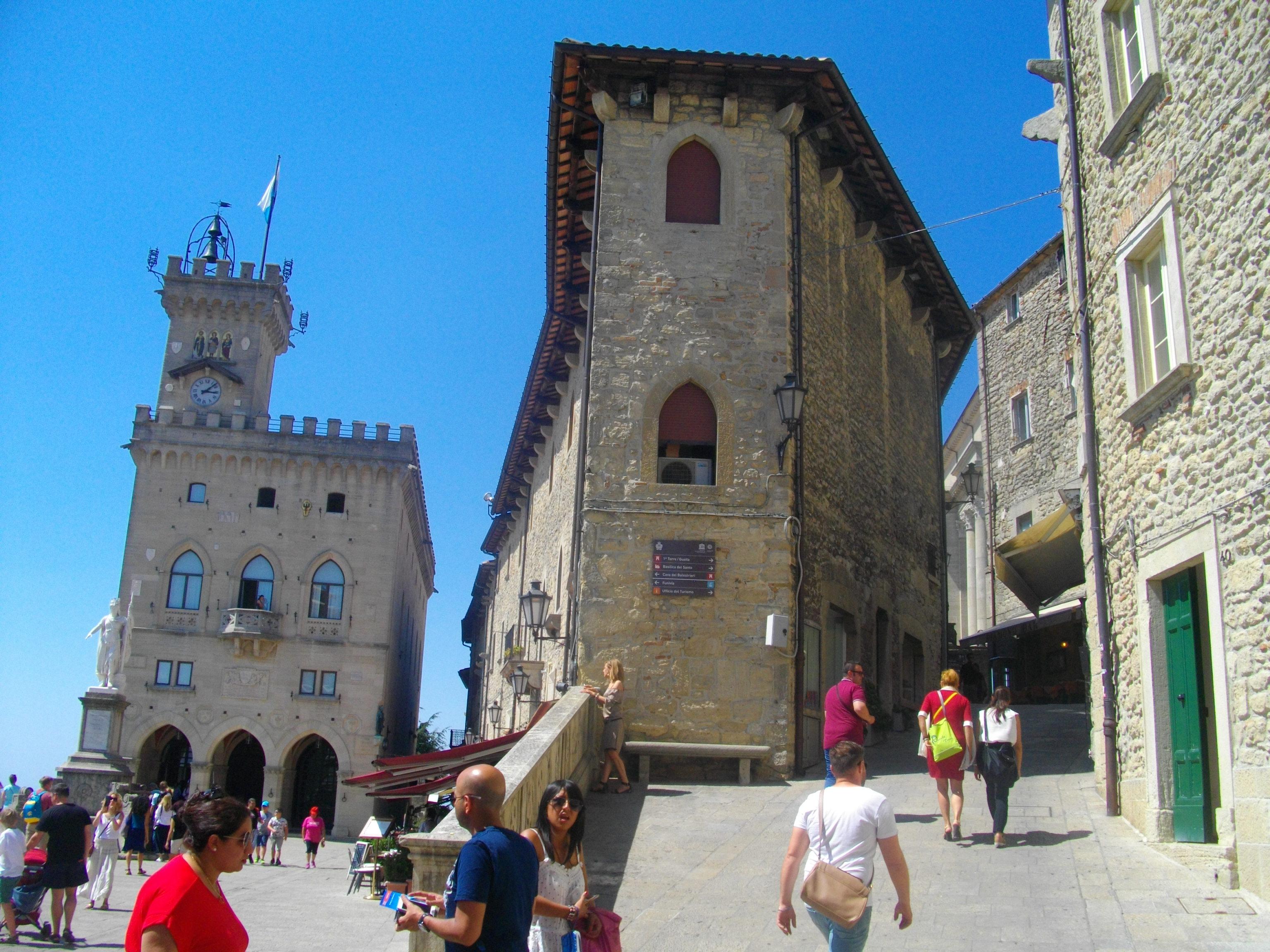 Mein Schiff Ausflugsziel: Der Zwergstaat San Marino südlich von Ravenna