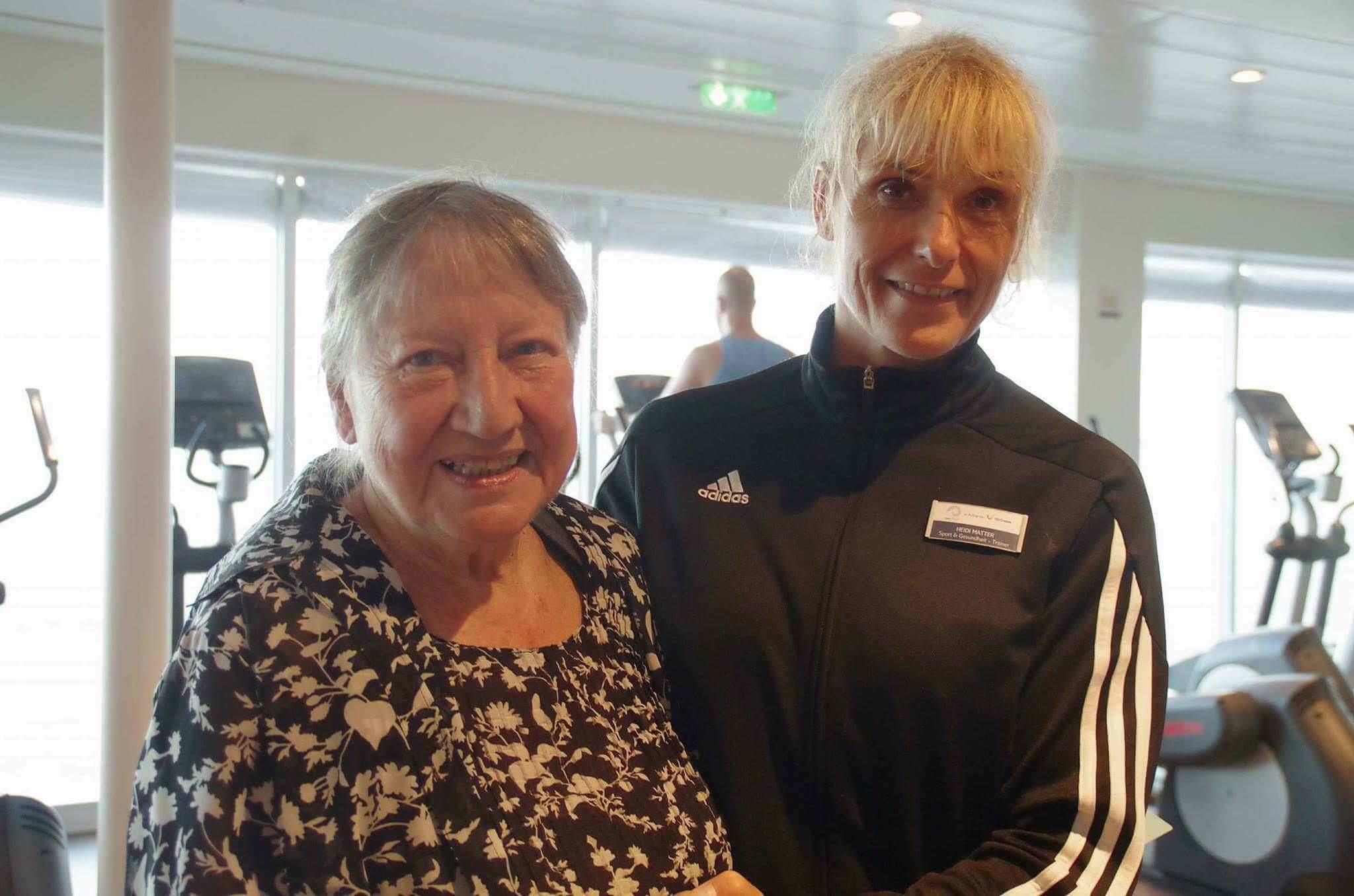 Mein Schiff Urlaubsheldin Heidi Matter mit Frau K.