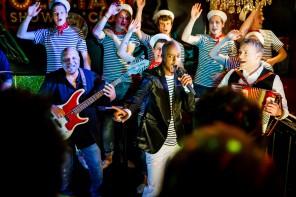 Yared Dibaba und die Schlickrutscher für TUI Cruises auf der Goldenen Kamera