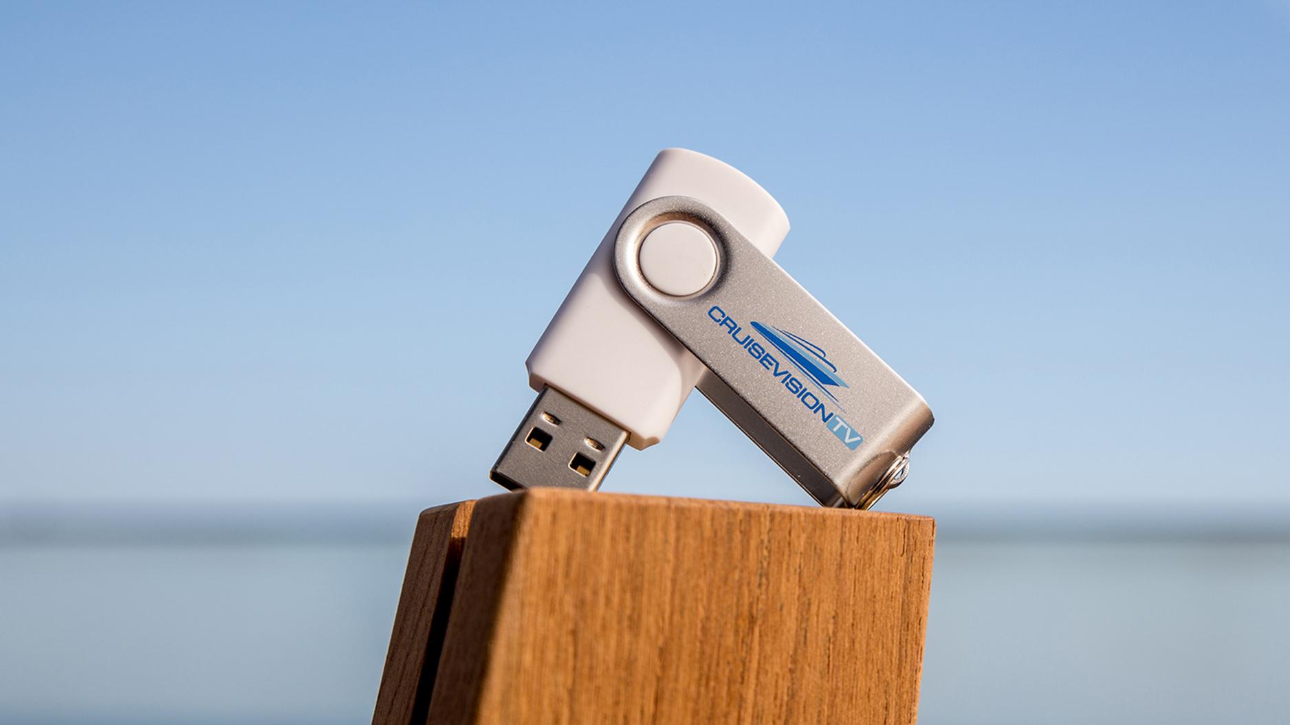 Der Abschiedsfilm für die Mein Schiff 1 auf USB-Stick