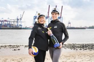 Deutsche Beachvolleyball-Stars Kira Walkenhorst und Laura Ludwig sind Taufpatinnen der neuen Mein Schiff 1