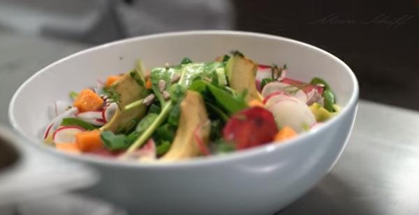 Ganz schön gesund: Die Avocado Bowl an Bord der neuen Mein Schiff 1