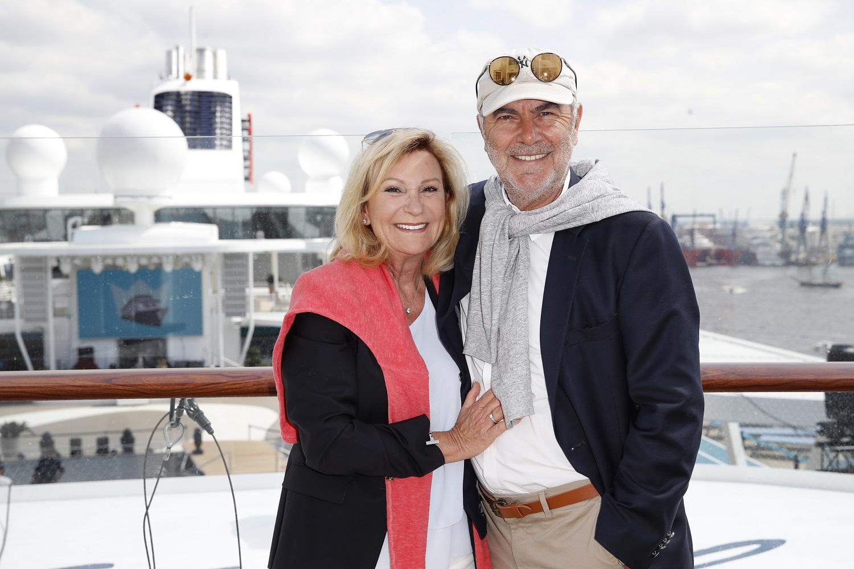 Taufgäste bei der Taufe der neuen Mein Schiff 1: Sabine Christiansen und Ehemann Norbert Medus (Photo by Franziska Krug/Getty Images for TUI Cruises)
