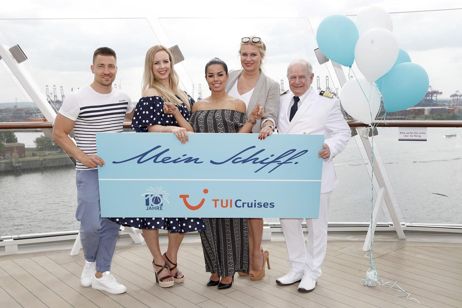 Bei der Taufe der neuen Mein Schiff 1 dabei: Philipp Boy, Isabel Edvardson, Fernanda Brandao, Magdalena Brzeska and Kjell Holm (Photo by Franziska Krug/Getty Images for TUI Cruises)