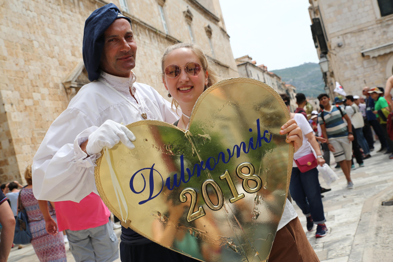 reisereporterIn Carina Doliwa in der Mein Schiff Destination Dubrovnik