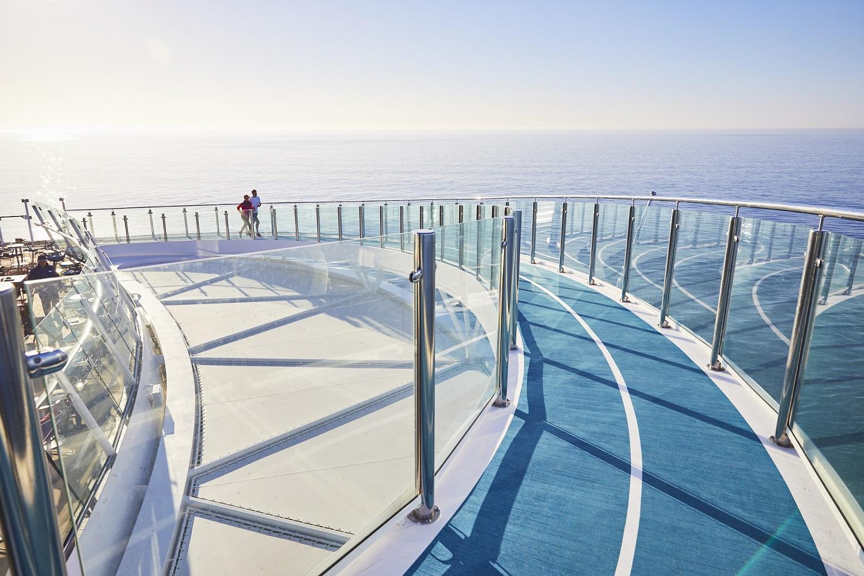 Die 438 Meter lange Joggingstrecke auf der neuen Mein Schiff 1