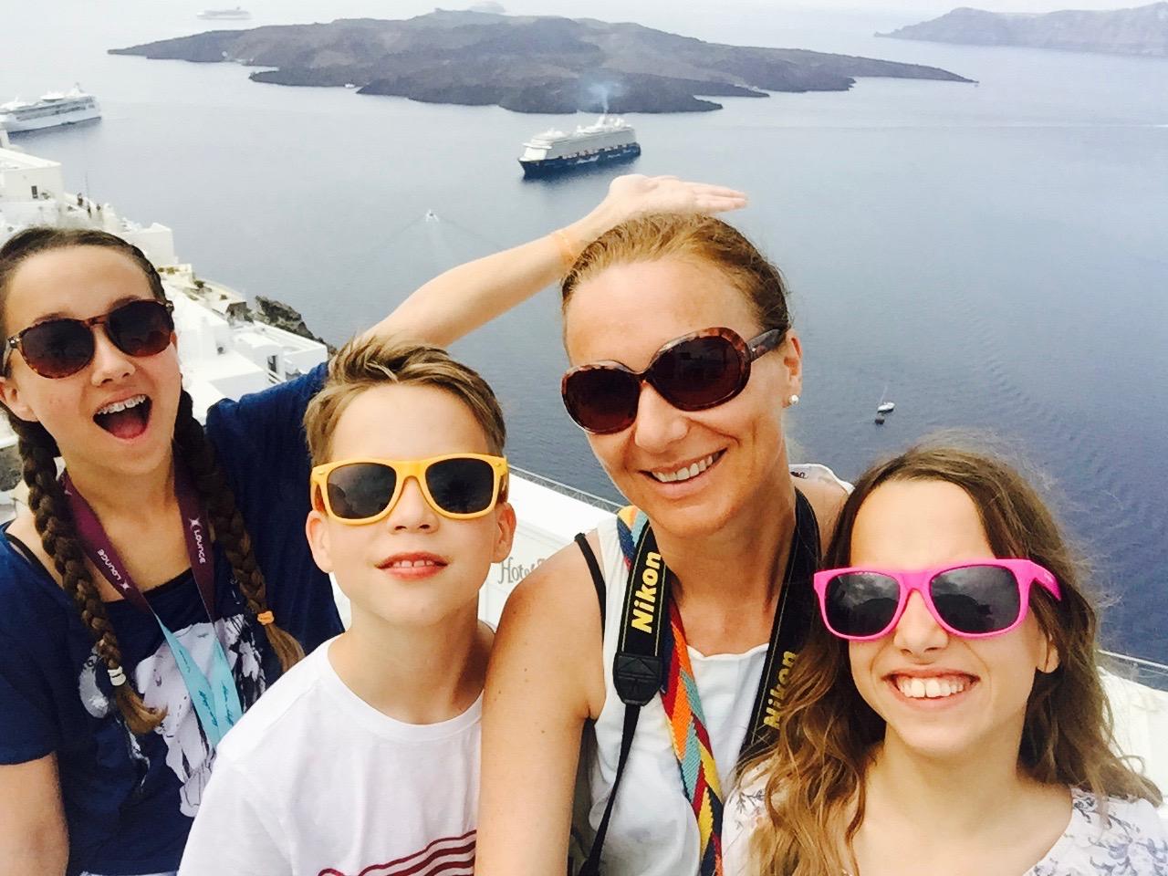 Mein Schiff Gastautorin Elisabeth Konstandinidis mit ihren Kindern