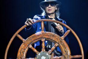 Rockliner 6: Udo Lindenberg macht auf der Mein Schiff 1 wieder sein Ding