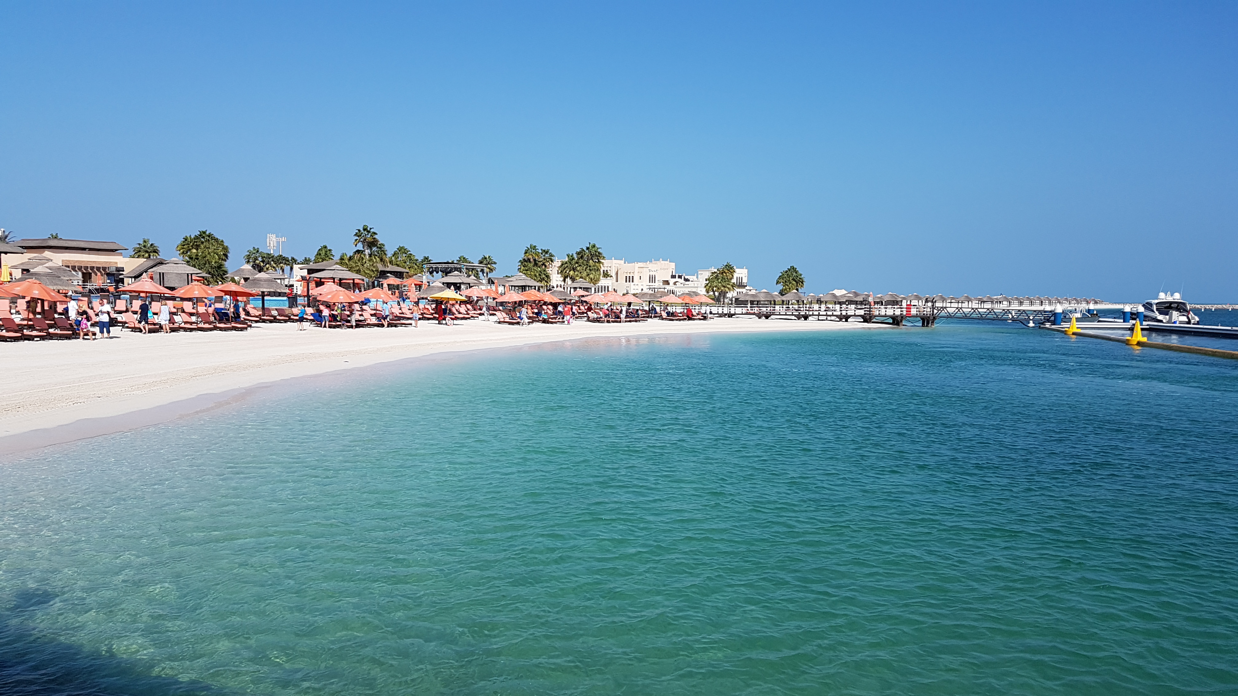 Mein Schiff Ausflugsziel in Abu Dhabi: Der Al Maya Strand