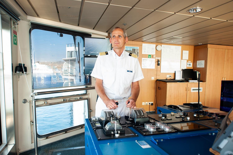 TUI Cruises Kapitän Helge Wrage an Bord der Mein Schiff 2