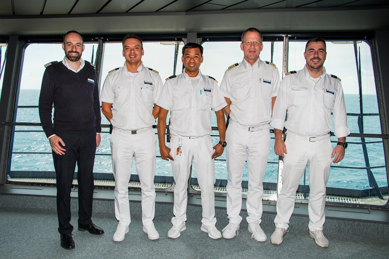 Mit seinen Vorgesetzten: Urlaubsheld im Monat Juni 2018 Angelo Garillos