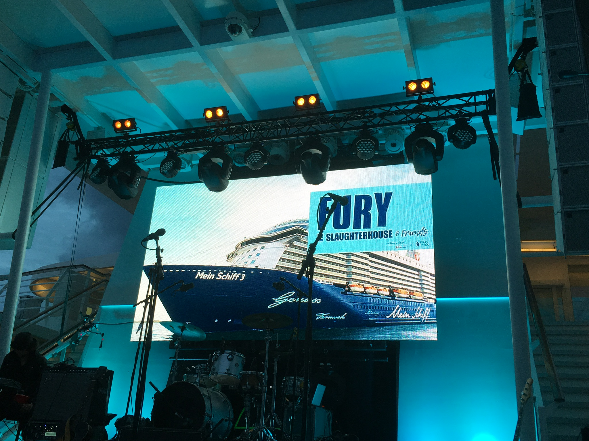 Fury & Friends Cruise von TUI Cruisese