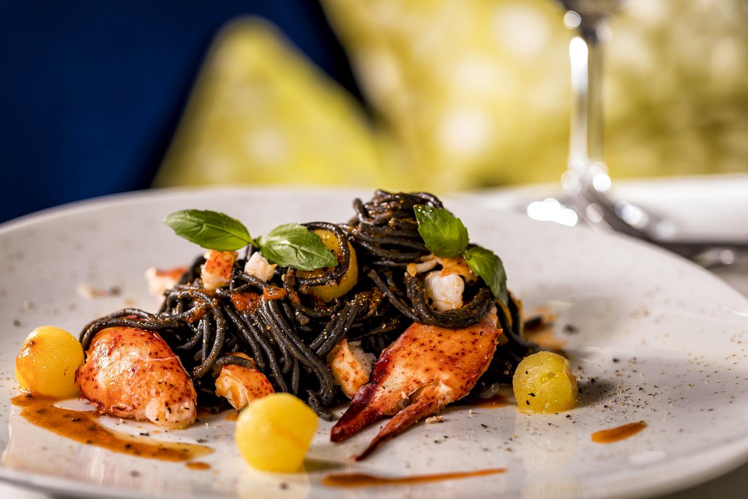 Hummerpasta im Restaurant La Spezia- Italienisch genießen auf der Mein Schiff Flotte