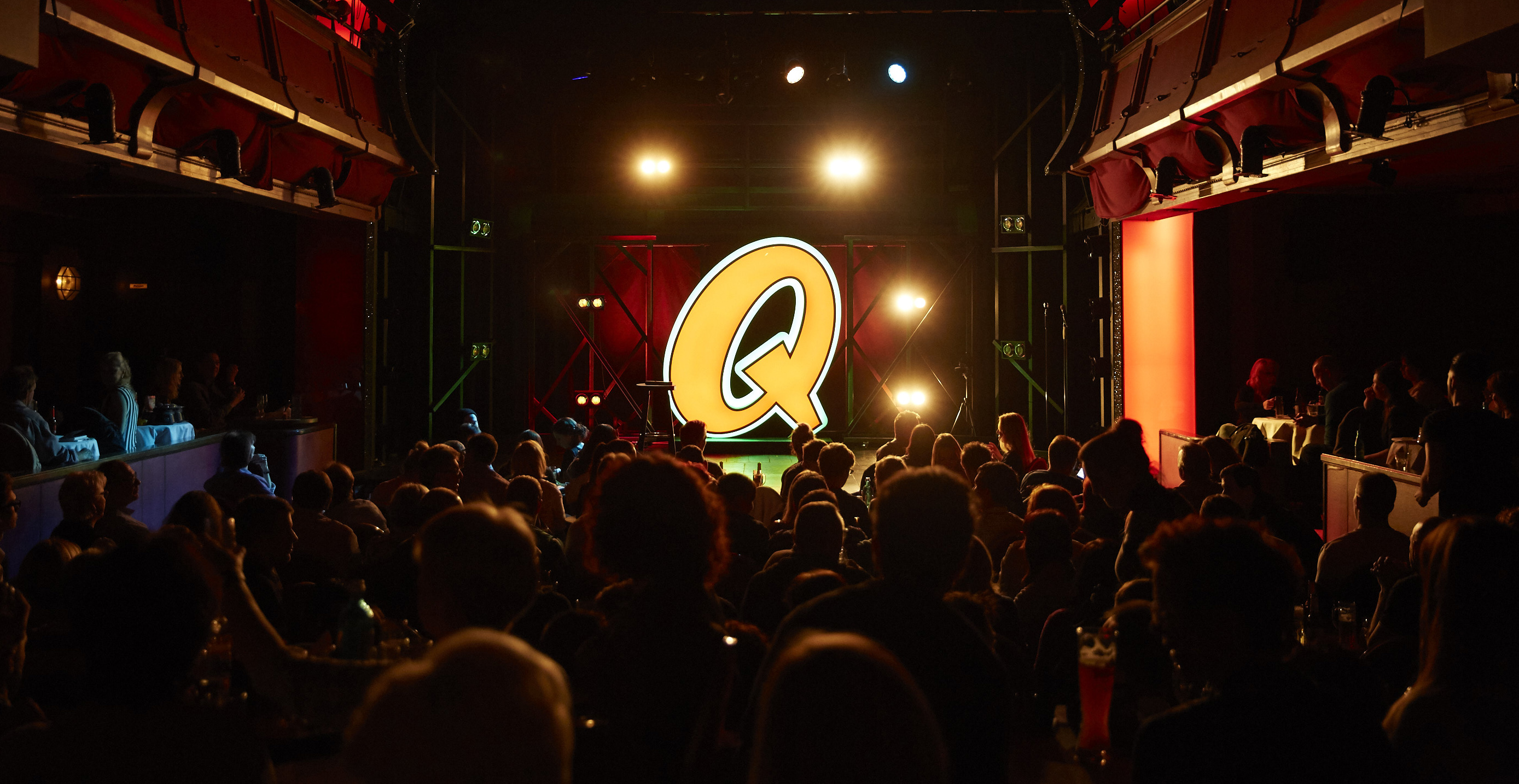 Thomas Hermanns' Quatsch Comedy Club Live an Bord der Mein Schiff Flotte