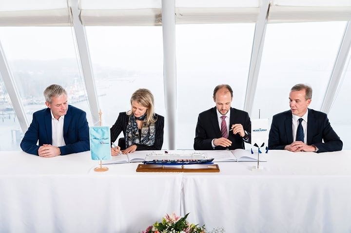 Die Übergabe der neuen Mein Schiff 2 in Kiel