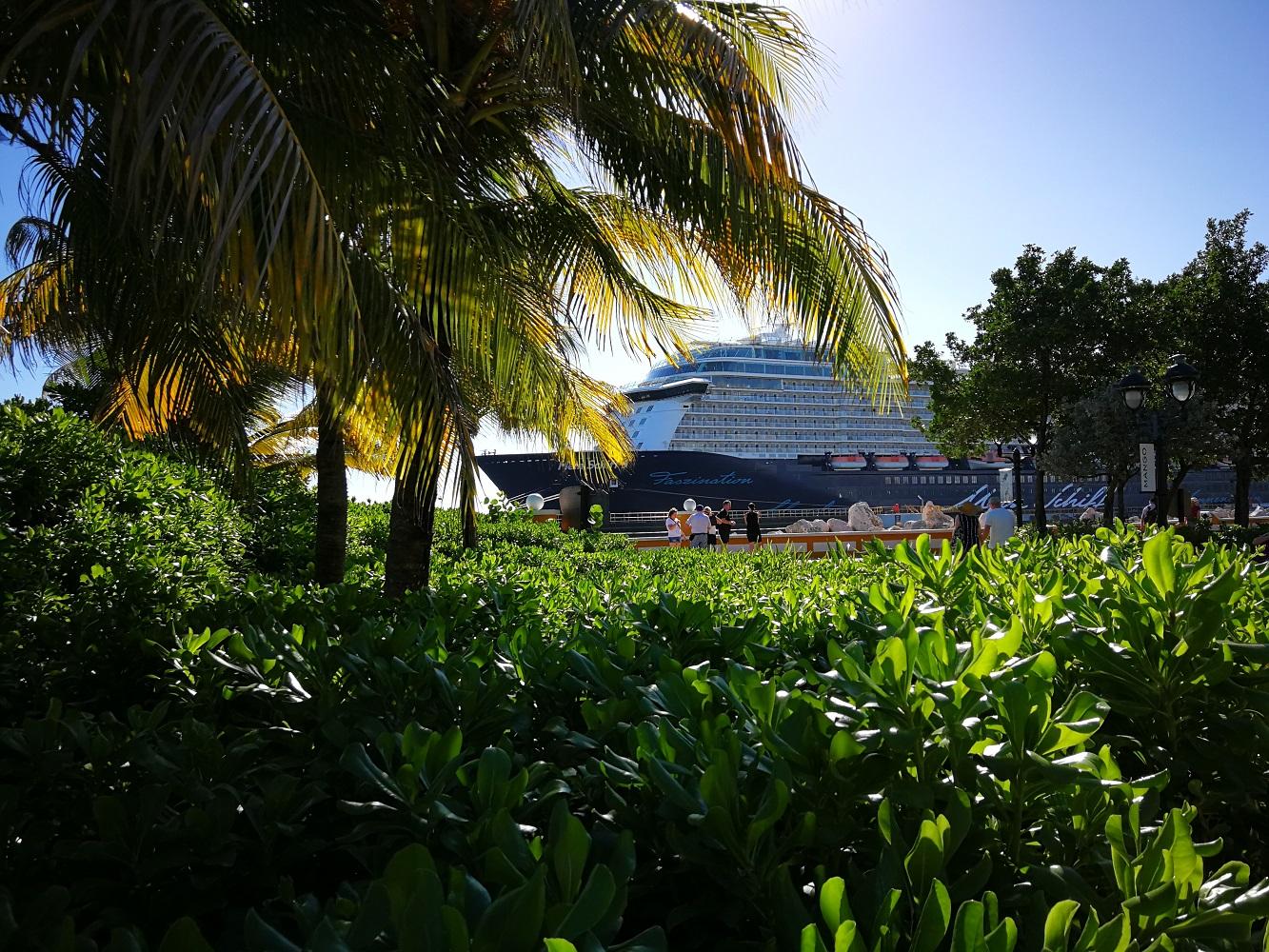 Die Mein Schiff 5 von TUI Cruises in der Karibik