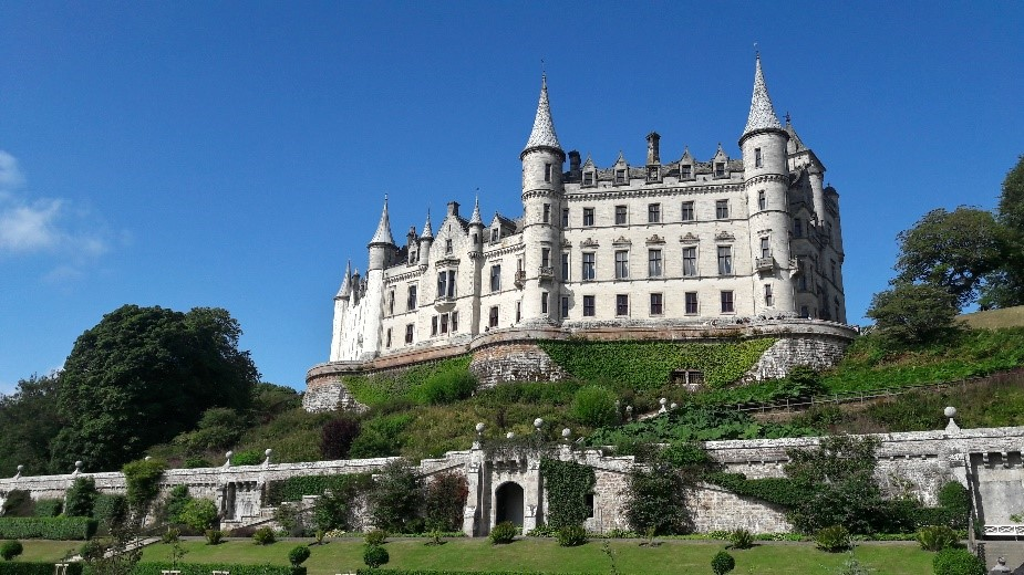 Mein Schiff Ausflugsziel: Das Dunrobin Castle mit wunderschönem Garten kann von Invergorden aus besucht werden
