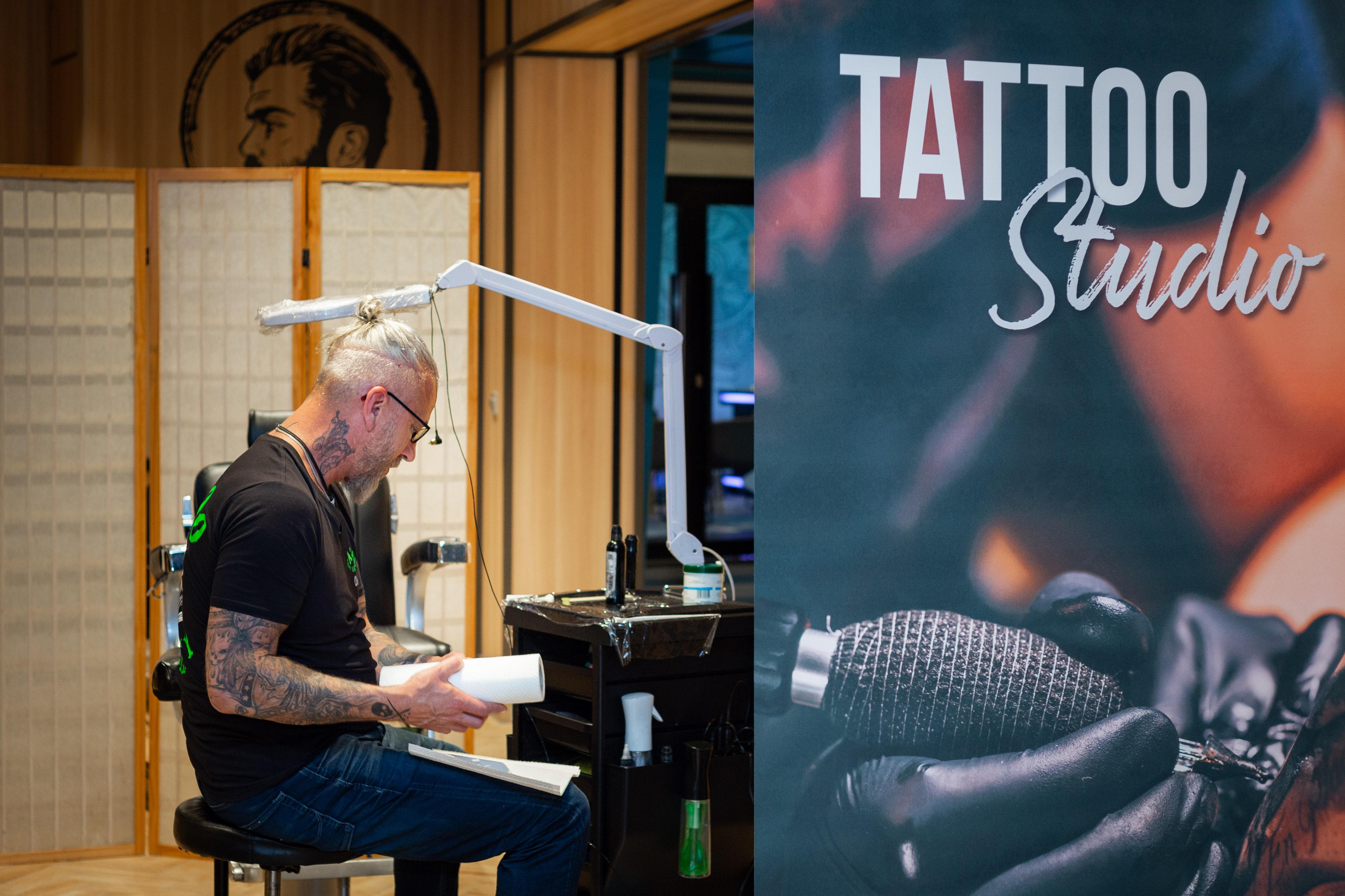 Das Tattoo Studio auf der Mein Schiff 2