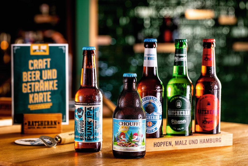 Gemütlich, Gesellig, Lecker – ein Abend in der Ebbe & Flut Bier Bar