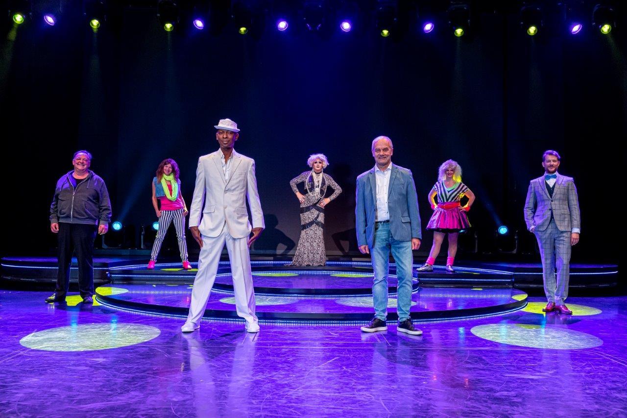 Schräg, schrill und seefest: Schmidt-Theater auf der Mein Schiff 1