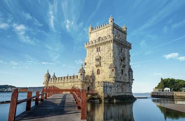 Mittelmeer mit Ibiza & Lissabon